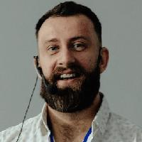 Роман Квартальнов